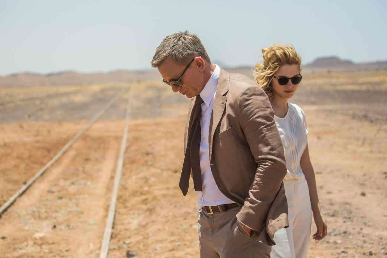 Daniel Craig and Leå Seydoux in Metro-Goldwyn-Mayer Pictures/Columbia Pictures/EON Productions' action adventure SPECTRE.