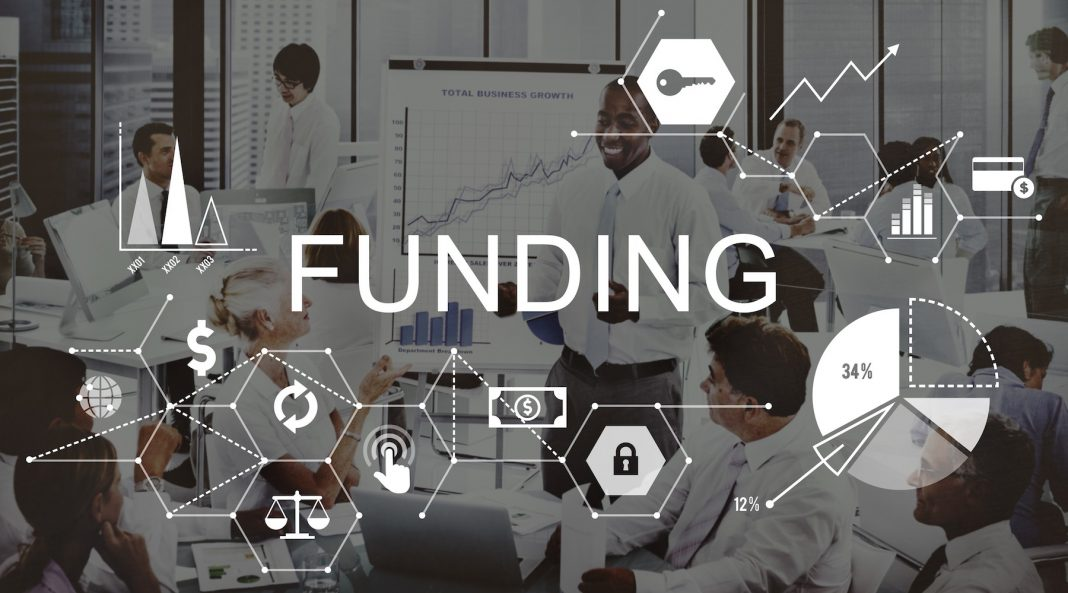 Funding Options that Will Help Your E-commerce Business to Stay Out of Withstanding Debts