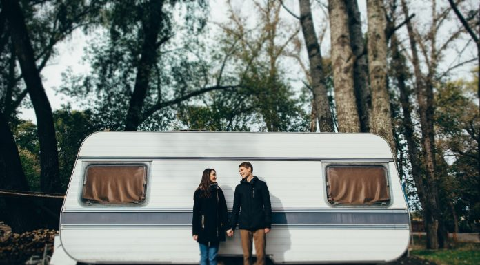 4 Tips for Protecting Your Trailer's Exterior During the Colder Months