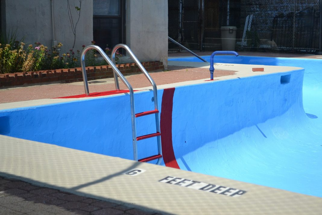 Above Ground Pool Steps: Saving money with above ground pool steps