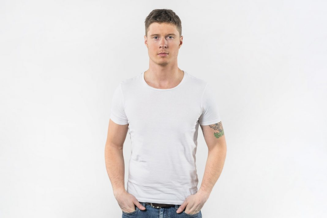 5 Tips for Styling a White Tee