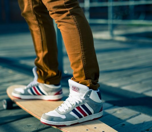What Are Some Tips To Learn Skateboarding?