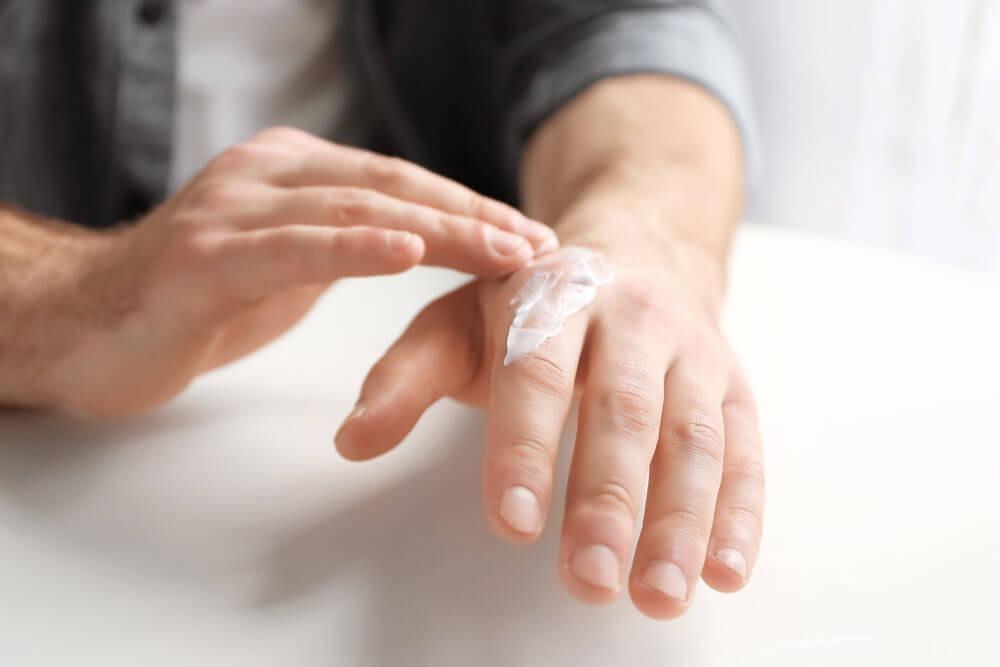 Man hand cream
