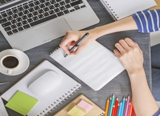 How to Choose a Beneficial Online Writing Services like Livepaperhelp?