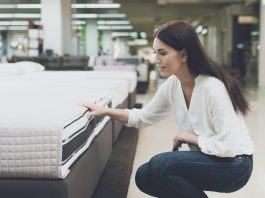 Memory Foam vs Spring Mattress Side-by-Side Comparison