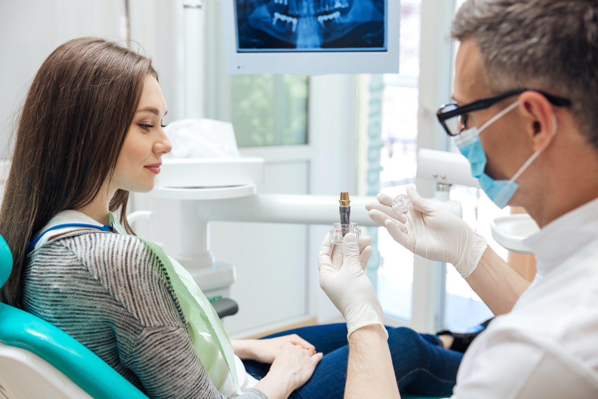 When Should I See a Dentist? (And What Should I Expect?)
