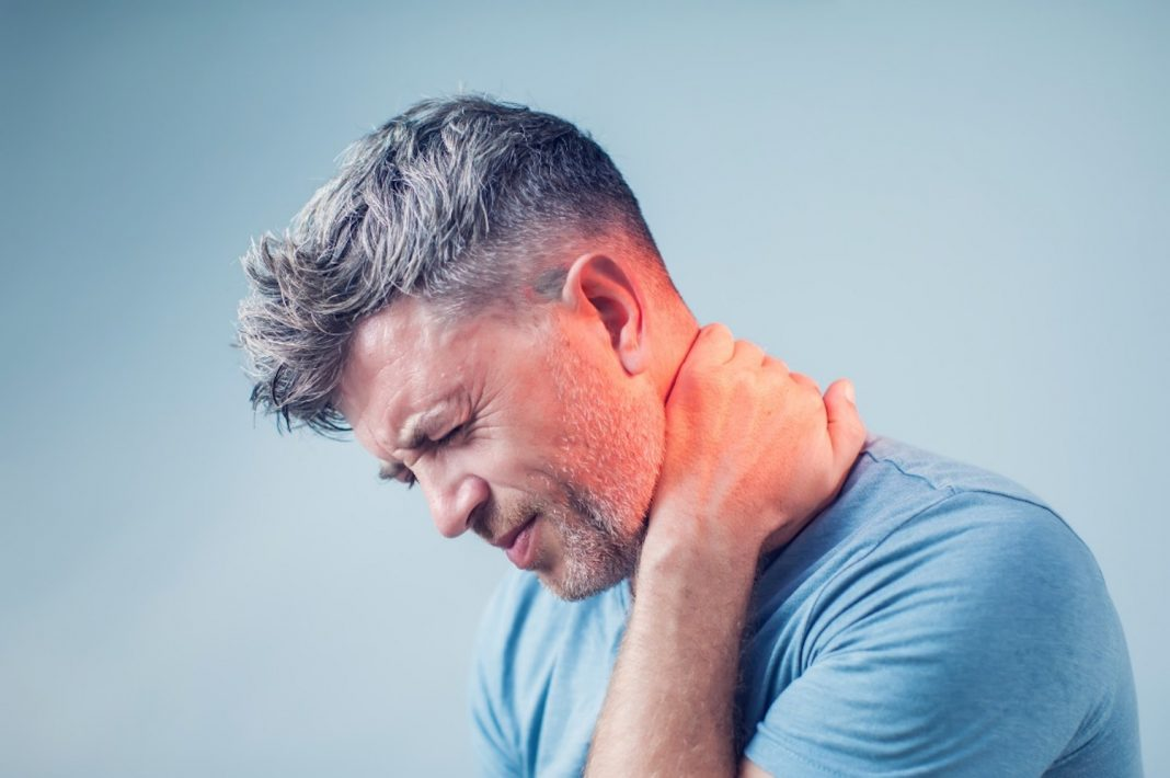Text Neck Symptoms: Your Smartphone Is Sending You to the Chiropractor