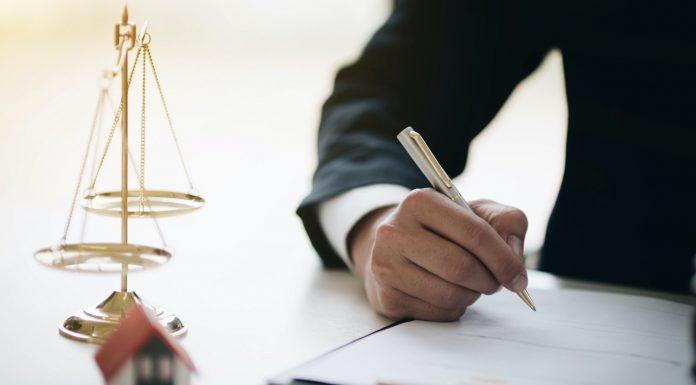 What Does a Real Estate Lawyer Do? Their Typical Daily To-Do List