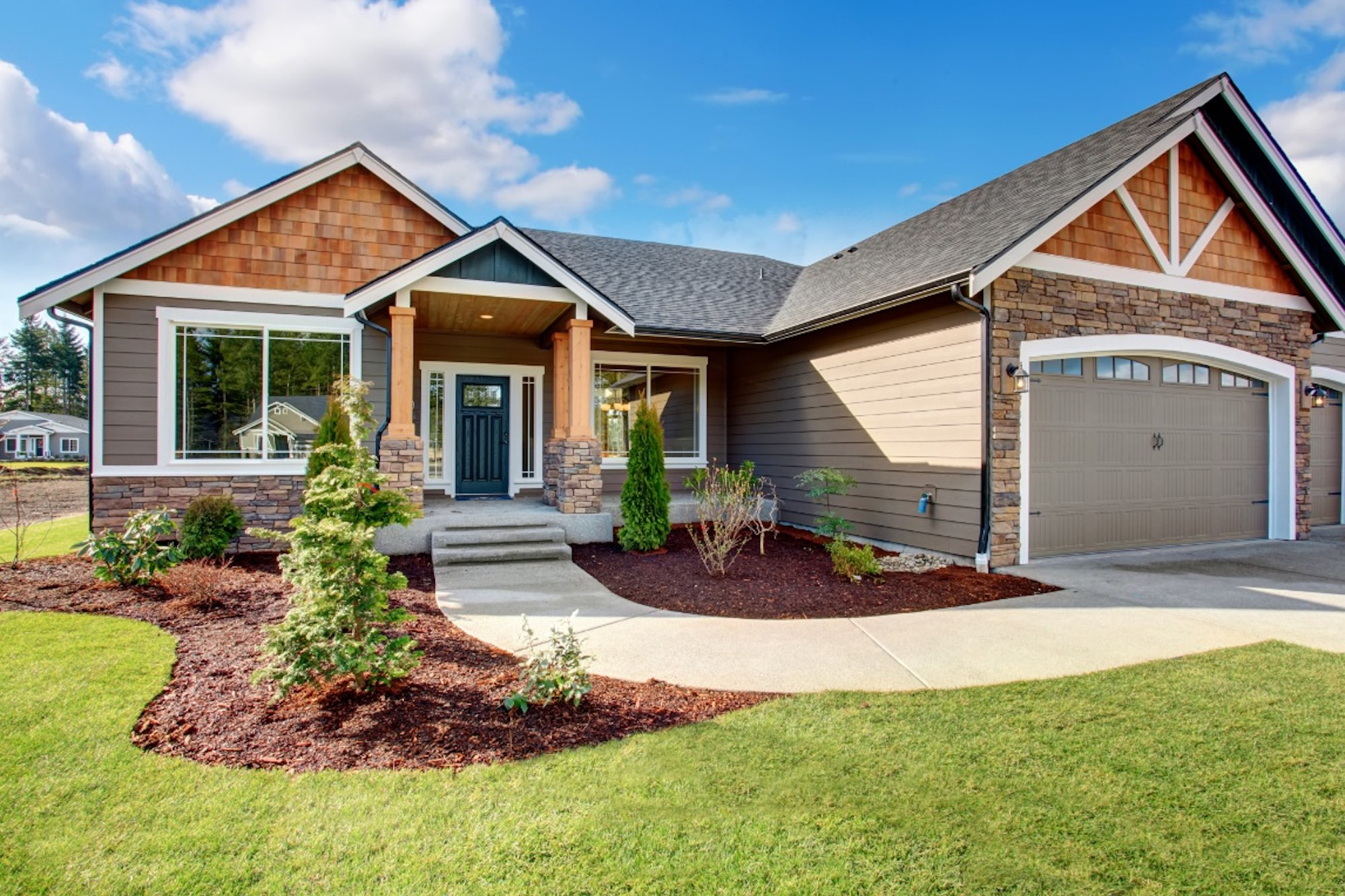 Read on for a list of eight pro tips that will have the outside of your home sparkling clean in no time.