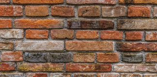 Cleaning Brick House Exteriors- A Simple Guide to Brick Maintenance