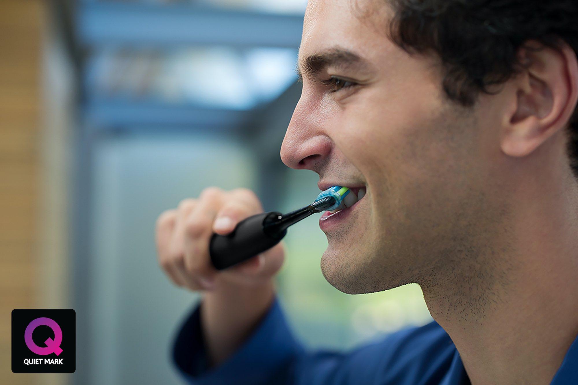 Quiet Mark Philips Sonicare DiamondClean Smart Electric Toothbrush