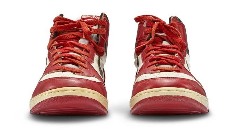 1985 Signed Nike Air Jordan 1 Chicago