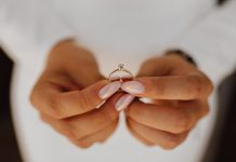 best engagement ring etiquette
