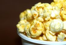 Chow Down- 5 Awesome Snacks to Eat While Watching TV