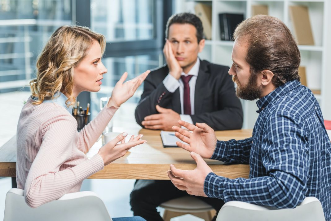 4 Key Signs You Should Hire a Family Law Attorney
