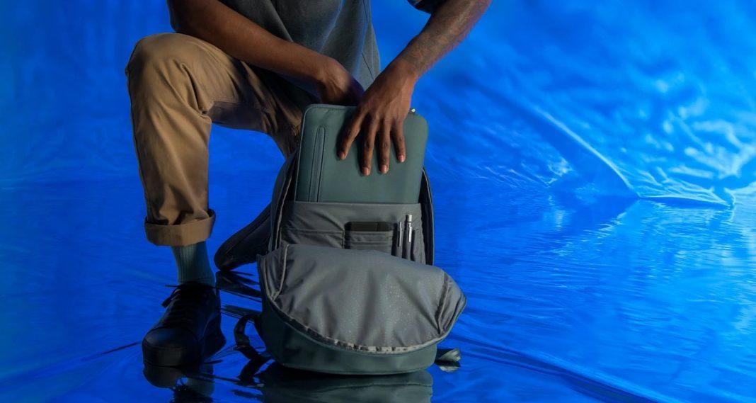 Incase Commuter Backpack w/BIONIC®