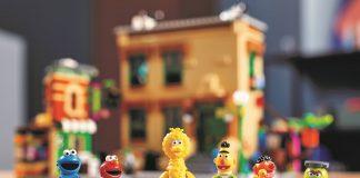 EXCLUSIVE LEGO® SESAME STREET