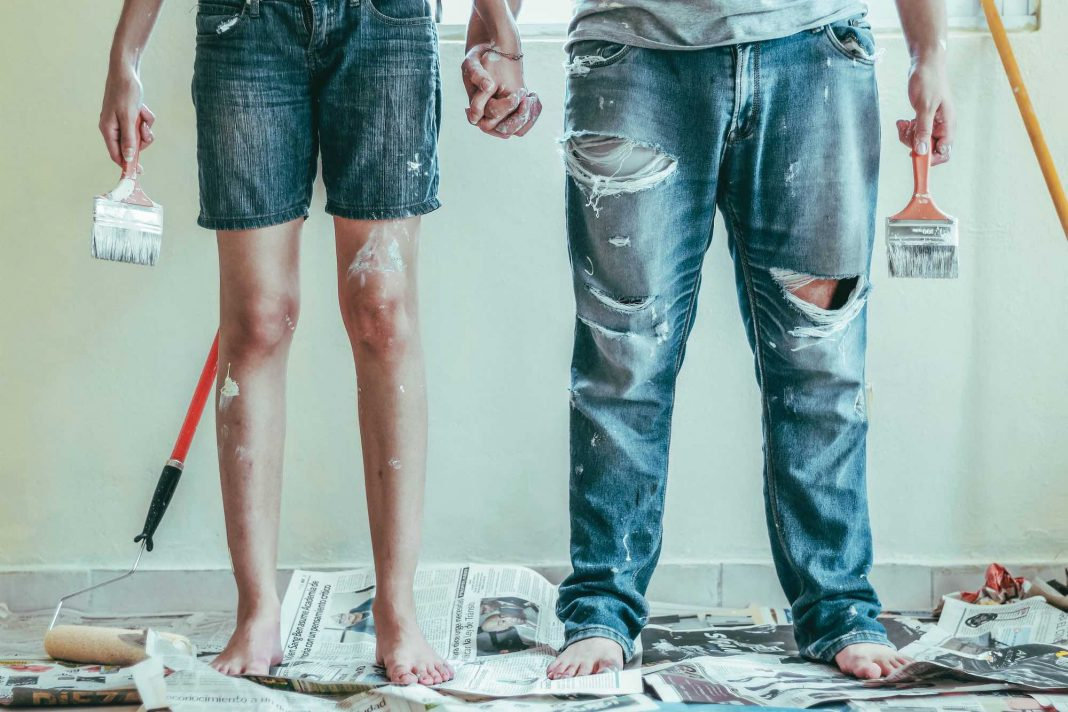 HOME DIY RENOVATION PAINT