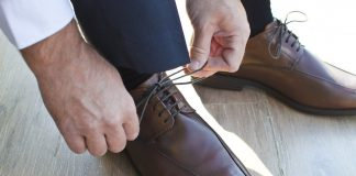 signs you need to replace your shoes