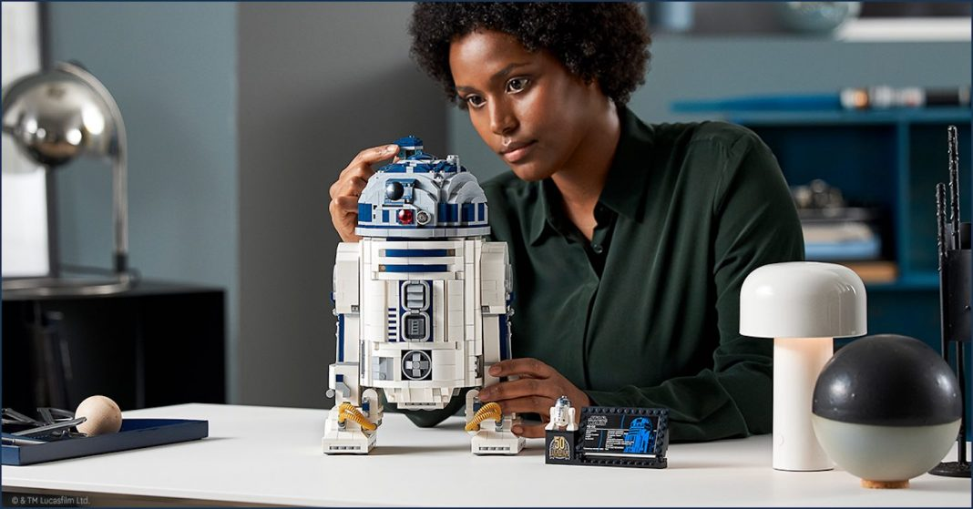 EXCLUSIVE R2-D2™ AND MAY THE FOURTH 2021!